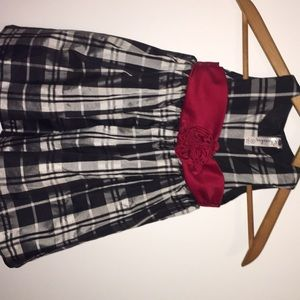 Barely worn holiday dress size 2t